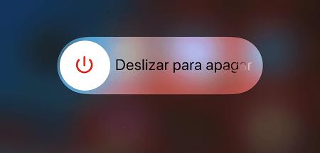 Cómo reiniciar o apagar un iPhone 11 si se congeló y no responde. De la forma tradicional. Paso 2