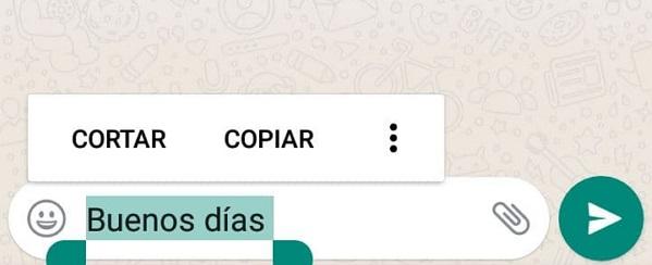 Cómo poner cursivas, negritas, monoespaciado y tachar palabras en WhatsApp utilizando las opciones de formato