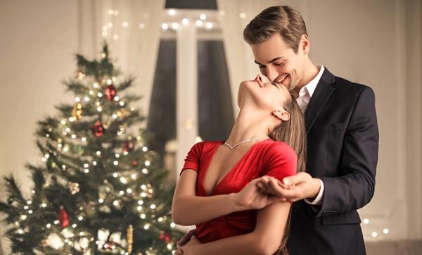 Frases para tu pareja en navidad 2021 y año nuevo